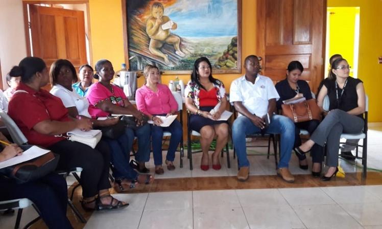 """Servidores públicos de la provincia de Darién reciben instrucción sobre """"Como tratar a las personas difíciles"""""""
